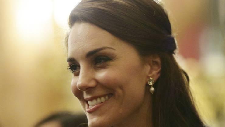 Kate und ihre Assistentin Rebecca stehen sich sehr nahe - kein Wunder also, setzt sich die Herzogin dafür ein, dass die Hochzeit ihrer Untergebenen unvergesslich wird. (Archivbild)