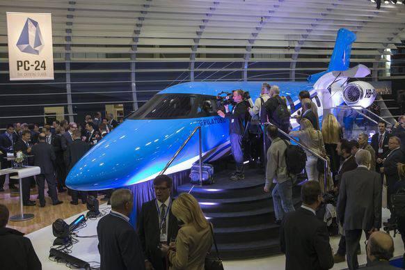Ein Modell des Jets auf der European Business Aviation Convention and Exhibition in Genf.