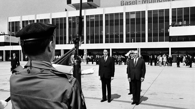 Der letzte Basler Bundesrat Hans-Peter Tschudi (links) mit dem französischen Staatspräsidenten Georges Pompidou 1970.