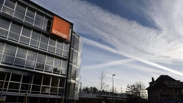 Blick auf den Hauptsitz von Orange Schweiz in Renens - Der Mobilfunkanbieter baut Dutzende Stellen ab (Archiv)