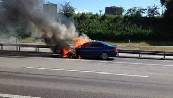 Autobrand auf A2 bei Muttenz