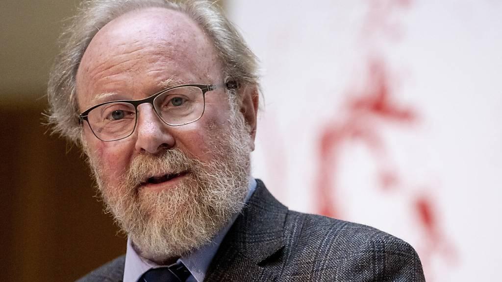 ARCHIV - Wolfgang Thierse (SPD), ehemaliger Vizepräsident des Deutschen Bundestages, spricht im Willy-Brandt-Haus. Foto: Christoph Soeder/dpa