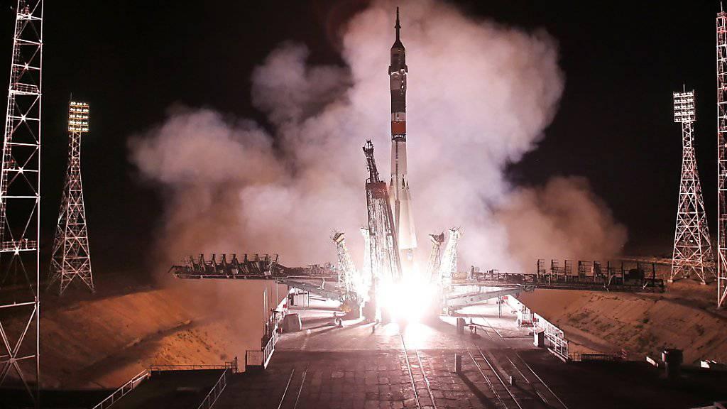 Drei Raumfahrer reisen zur ISS