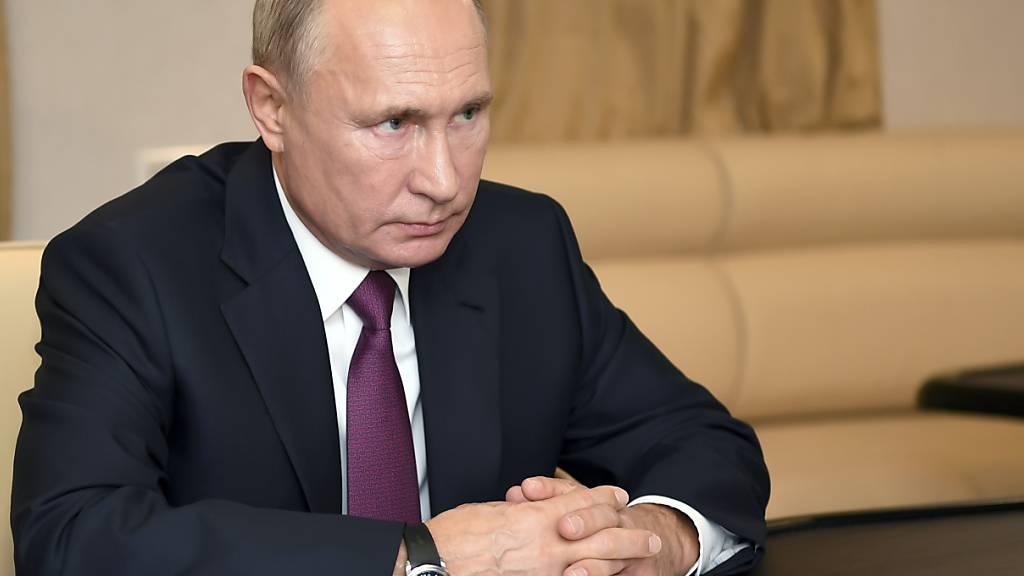 Kreml: Putin gratuliert erst nach Auszählung der Stimmen bei US-Wahl