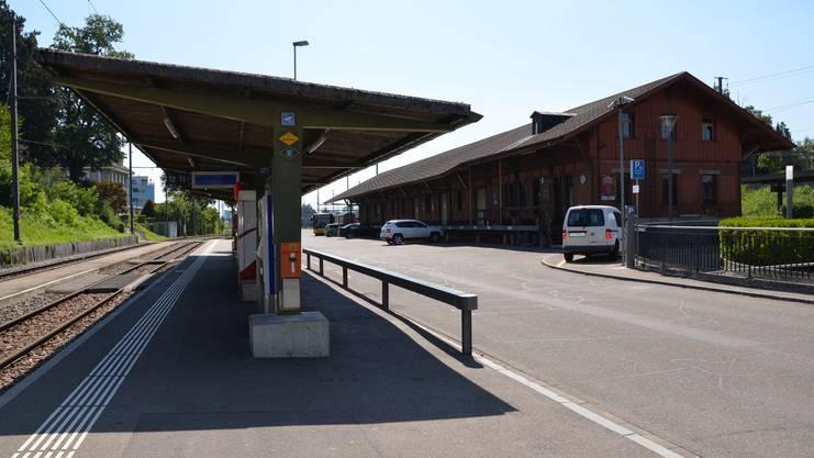 Güterschuppen SBB und Haltestelle BDWM
