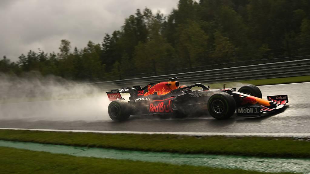Max Verstappen war im Qualifying bei schwierigsten Bedingungen in Francorchamps der Schnellste.