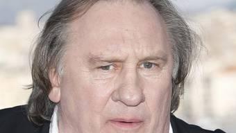 Der französische Filmstar Gérard Depardieu ist wegen Vergewaltigungsvorwürfen einer jungen Schauspielerin von der Polizei vernommen worden. Er selbst bestreitet die Vorwürfe. (Archivbild)