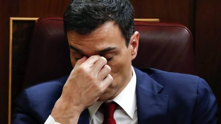 Eigentlich schon im Voraus klar: Sozialisten-Chef Pedro Sánchez konnte im spanischen Parlament nicht genügend Stimmen auf sich vereinigen, um Regierungschef zu werden (in einer Aufnahme vom Mittwoch, 2. März im Parlament in Madrid).