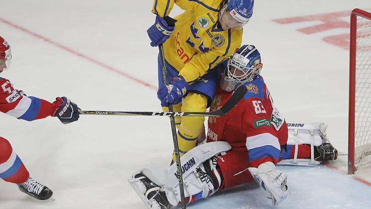 Der neue EVZ-Ausländer Dennis Everberg (im gelben Trikot) wurde mit Schweden 2017 und 2018 Weltmeister