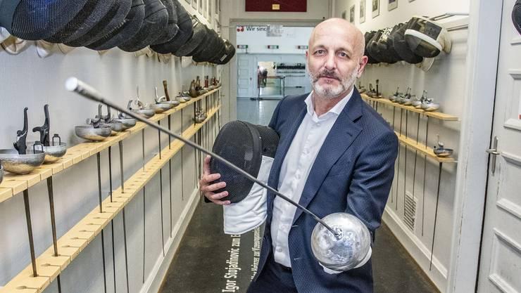 «Heimkommen»: Seit 54 Jahren trainiert Gabriel Nigon im Basler Fechtsaal.
