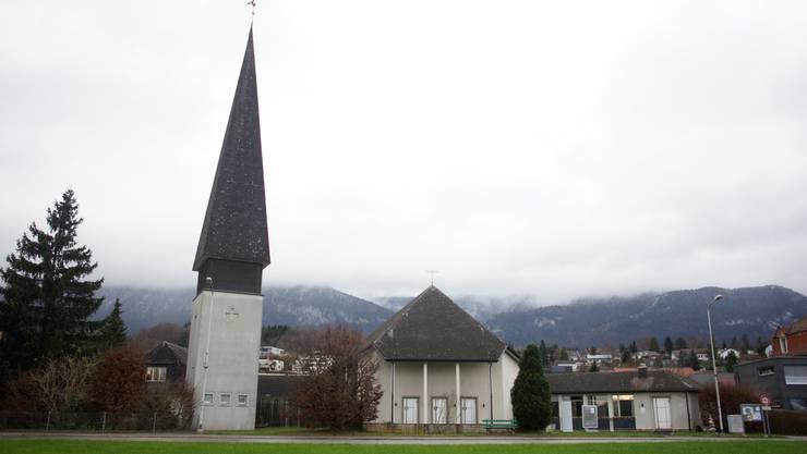 Kirche Bellach und das Pfarrhaus (links vom Turm)