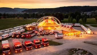 Der Zirkus Monti selbst ist noch nicht betroffen, die Zeltvermietung hingegen sehr. Schüwo Trinkkultur beliefert seit Jahren Grossanlässe wie hier 2008 die Streetparade. Dieser Branchenzweig steht still.