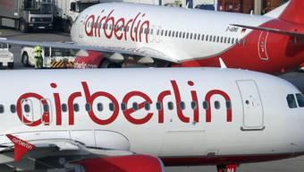 Air-Berlin-Flugzeuge auf dem Flughafen Berlin-Tegel. Der Flugbetrieb soll trotz Pleite weitergehen.
