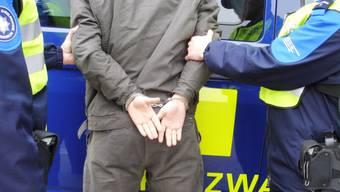 Die drei verdächtigen Rumänen wurden von der Basler Polizei festgenommen. (Symbolbild)