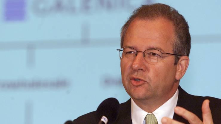 Ein Bild aus vergangenen Tagen: Etienne Jornod, damals Präsident der Galenica an der Generalversammlung im Mai 2001 in Bern.