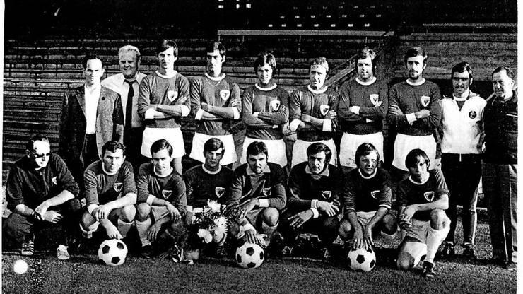 Vor 50 Jahren beim damaligen Jubiläumsspiel sah die Mannschaft des FC Birsfelden so aus.