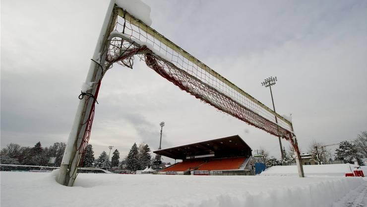 Das Brügglifeld im Schnee. Das Spiel soll am Freitagabend gegen Wil regulär stattfinden.
