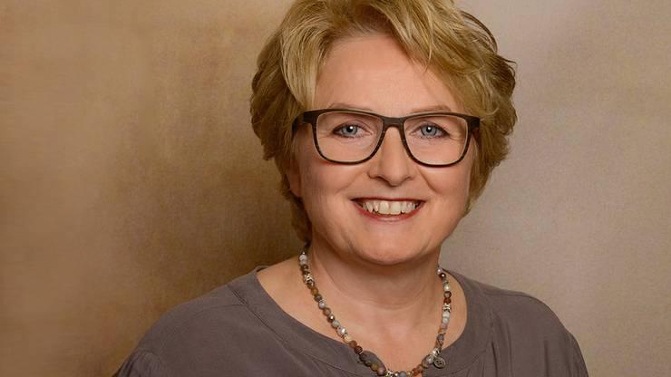 Elsbeth Meier beschäftigt in ihrem Geschäft zwei Mitarbeitende.