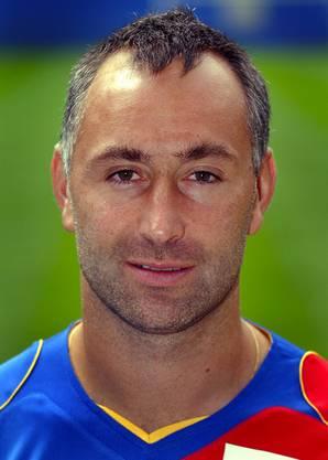 Nervte seine Mitspieler, weil er lieber Bücher las, als rumzualbern. Der Erwachsenenbildner verteidigte zwischen 2002 und 2005 für den FCB.