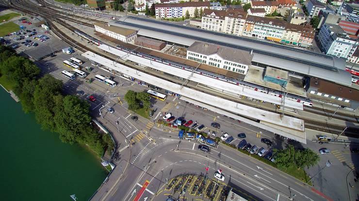 So sieht der Bahnhofplatz heute aus.