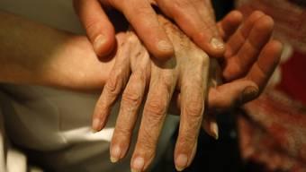 Ein 82-jähriger Genfer durfte nicht mit Hilfe einer Sterbehilfe-Organisation aus dem Leben scheiden. Jetzt brachte er sich selber um (Symbolbild).