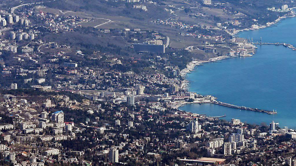 Blick auf die Stadt Jalta an der Südküste der Krim (Aufnahme vom April 2014).