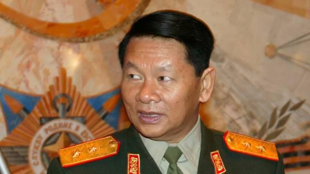 Verteidigungsminister Phichit stirbt bei Flugzeugabsturz (Archiv)