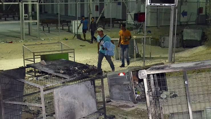 Schon im September legten Migranten Feuer im überfüllten Flüchtlingslager Moria. Dieses war damals für mehrere Tage unbewohnbar. (Archivbild)