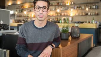 Olivier Müller an der noch unfertigen Bar im Singerhaus. Es ist sein neuestes Projekt. Kenneth Nars
