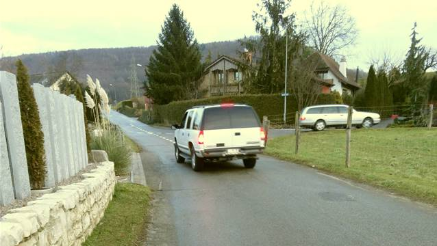 In Gipf-Oberfrick wird eine Urnenabstimmung verlangt über eine Strassenvorlage, hier der Kornbergweg (Teilansicht). – Foto: chr