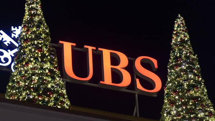 Weihnachtsstimmung bei der Grossbank: Vertrauen zurück, Kunden zurück.