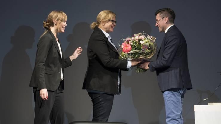 Solothurner Literaturpreis an Karen Duve, Begrüssung Walter Pretelli und Kurt Fluri, Nicola Steiner Laudatio, Aernst Rohrer Akkordeon