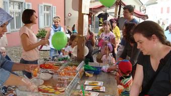 Am Jugendfest fanden die gesunden Snacks der Mittagstisch Rheinfelden GmbH reissenden Absatz. zvg