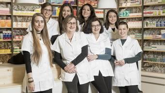 Das Team der Lindenapotheke Suhre Park (v. l. n. r.): Rebekka Zehnder, Fabienne Hunziker, Kim Steiner, Gertrud Randon, Julia Amsler, Esther Petitpierre, Zoi Ajeti, Rachel Zimmermann.