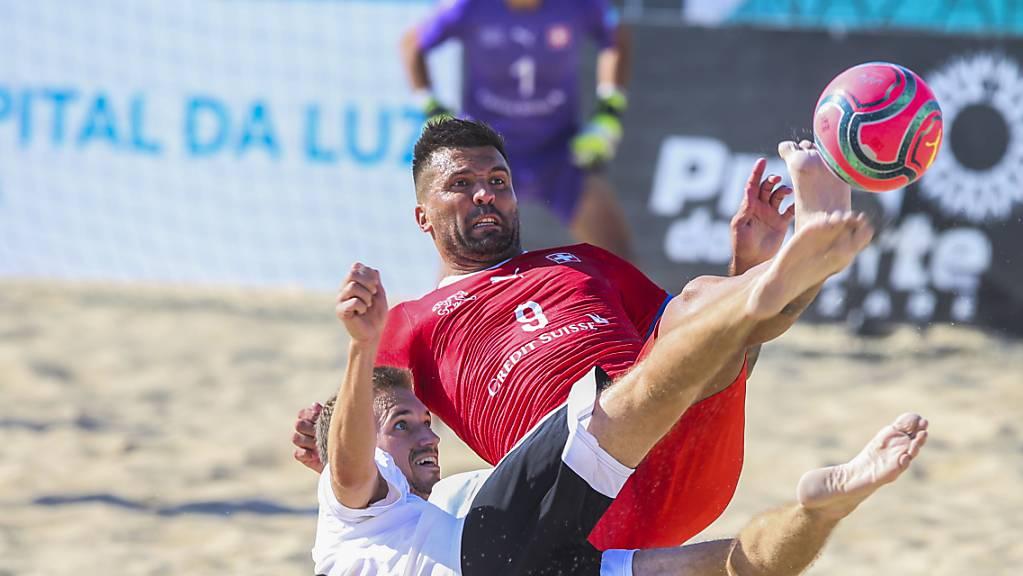 Dejan Stankovic (Nummer 9) war auf Schweizer Seite einmal mehr überragend