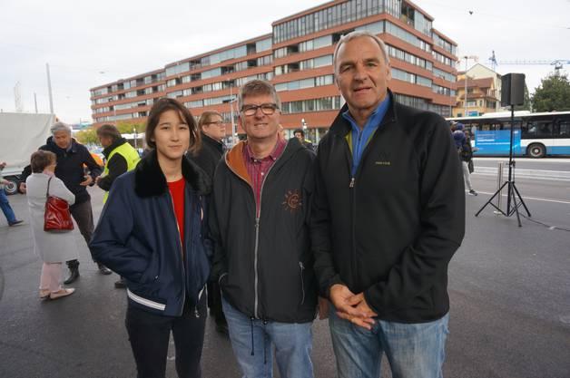 In der Mitte GLP-Stadtrat Andreas Kriesi mit Tochter Carina und den Oberengstringer CVP-Gemeinderat René Beck.