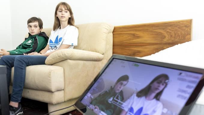 Jugendliche in Bergdietikon machen einen Film im Sommerprojekt zu ihren Wünschen