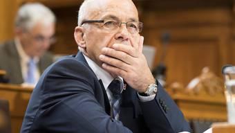 Finanzminister Ueli Maurer verfolgte am Montag im Ständerat eine ruhigere Budgetdebatte als vergangene Woche in der grossen Kammer. (Archivbild)