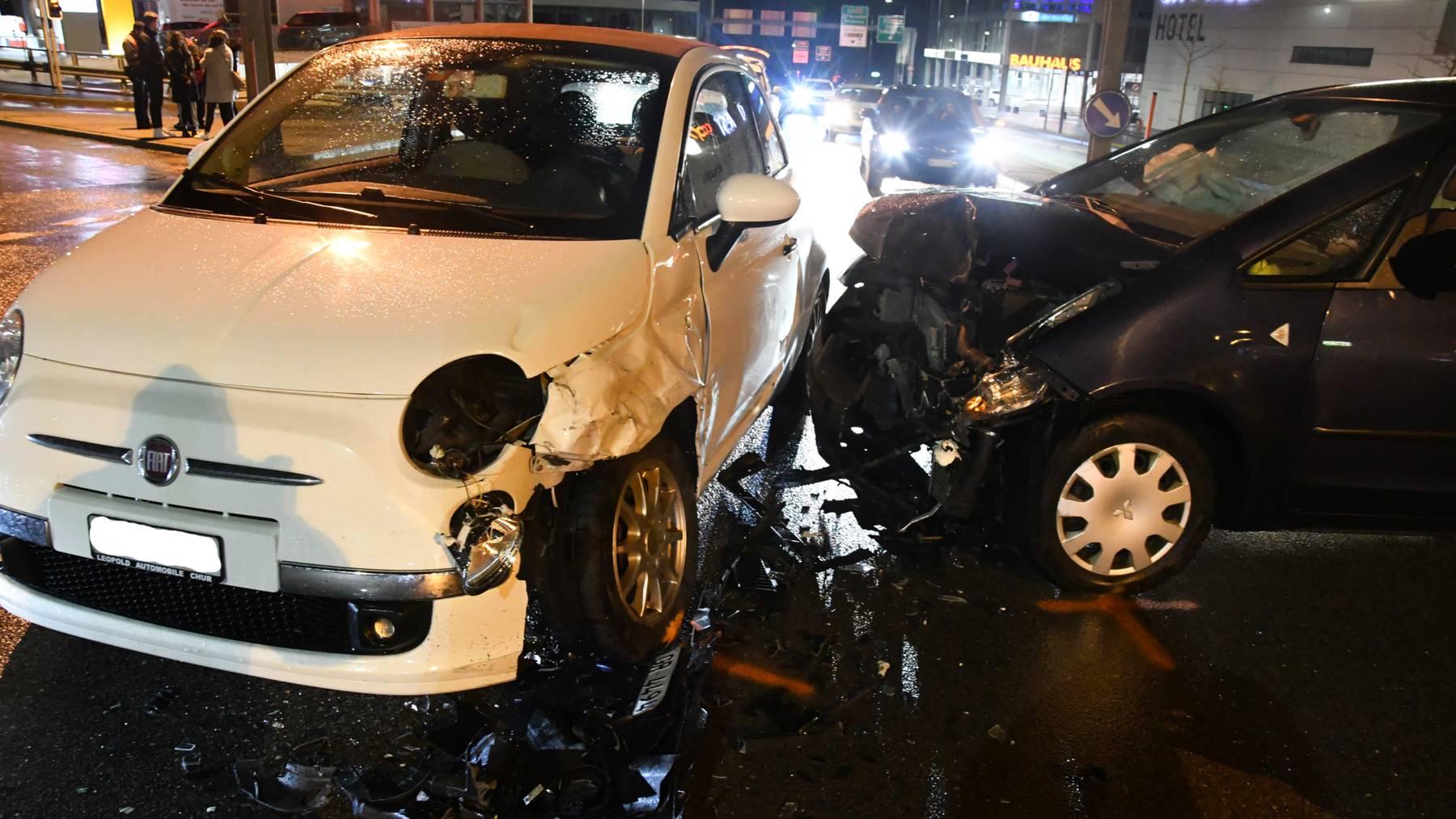 Beide Fahrerinnen wurden nicht verletzt.