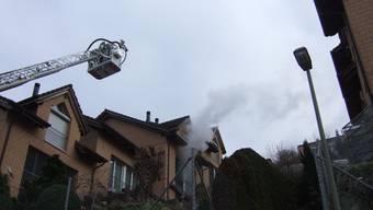 In einem Reihen-Einfamilienhaus am Weidweg in Liestal kam es gestern gegen Mittag zu einem Brand.