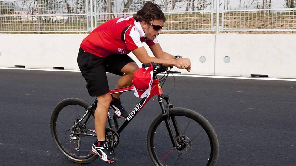 Fernando Alonso stürzte im Tessin mit dem Velo und brach sich den Oberkiefer (Archivbild)