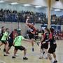 Fabian Beck (im Abschluss) und sein TSV Frick möchten auch nächste Saison in der 1. Liga Handball spielen. fba