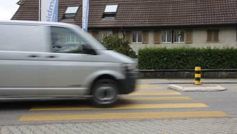 Auf diesem Fussgängerstreifen in Möhlin wurde der 67-jährige Mann angefahren. Der Unfall geschah abends im November 2012. (Archiv)