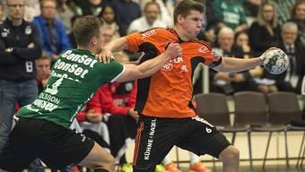 Dimitrij Küttel (rechts) setzt sich kraftvoll durch (Archivbild)