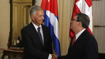 Bundesrat Didier Burkhalter lud Kubas Aussenminister Bruno Rodriguez in Havanna für 2016 zu einem Schweiz-Besuch ein.