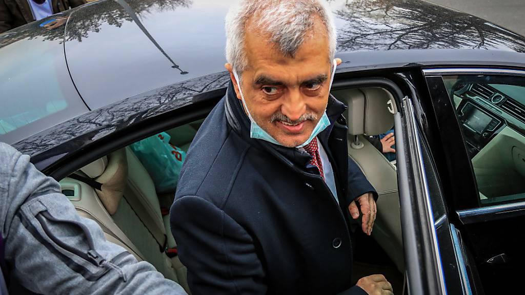 ARCHIV - Der prokurdische Politiker der Oppositionspartei HDP Ömer Faruk Gergerlioglu trifft zu einer Kundgebung ein. Nach seiner Entlassung aus der Haft kann er wieder seine Arbeit als Parlamentsabgeordneter in der Türkei aufnehmen. Foto: Tunahan Turhan/SOPA Images via ZUMA Wire/dpa