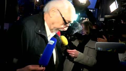 Karl Dall erscheint unter grossem Medieninteresse zum Prozess