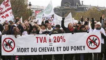 Protest in Paris gegen höhere Steuern auf Reitaktivitäten