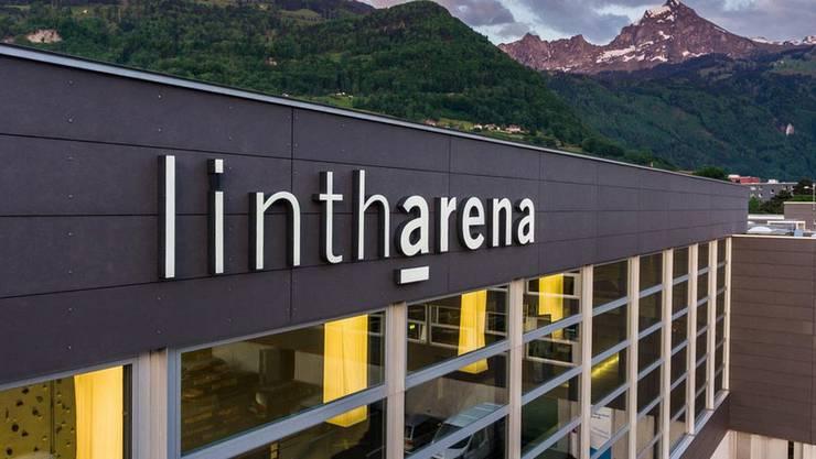 Das Sportzentrum Linth-Arena SGU in Näfels. Hier kam es zum Beziehungsdelikt.