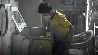 «Ich gehe nicht zur Schule, weil ich arbeite»: In diesem BBC-Video schildert unter anderem Hussein seinen Alltag in Gaziantep.